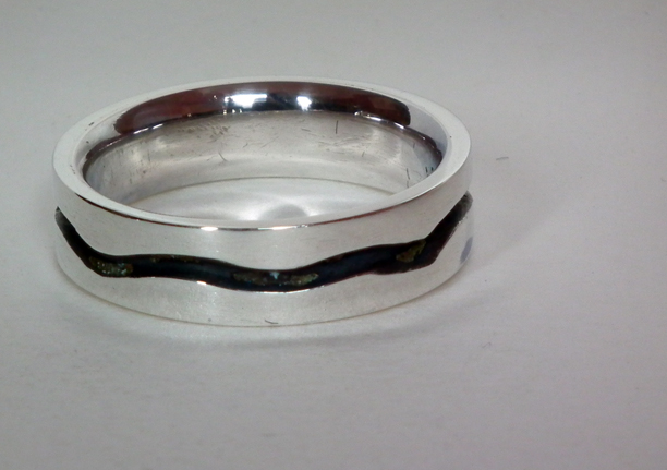 wavey groove ring